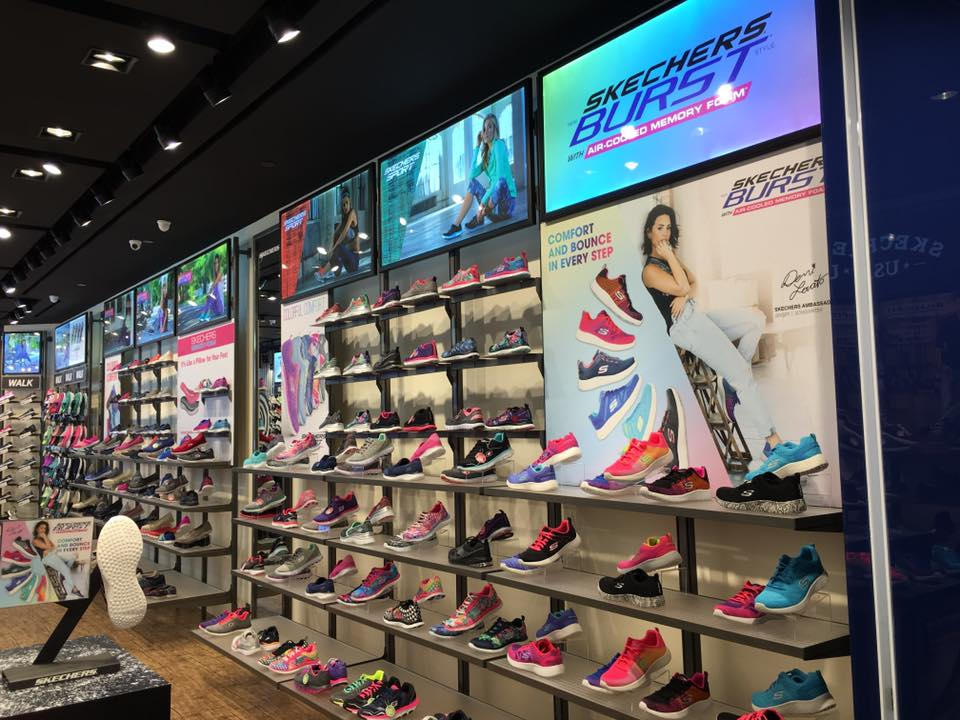 SKECHERS Singapore Compass One Opening Exclusive Sports Water Bottle with Purchase | Why Not Deals 2 & Promotions