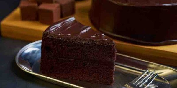 Awfully Chocolate Singapore 6″ All Chocolate Cake Fave Promotion 22 Jun – 21 Aug 2017
