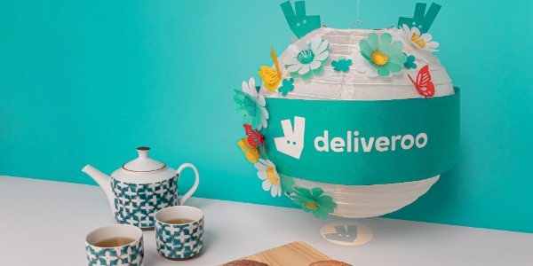 Deliveroo and Swensen's Delivers Mid-Autumn Magic To Singaporeans With Festive Mooncake and Lantern