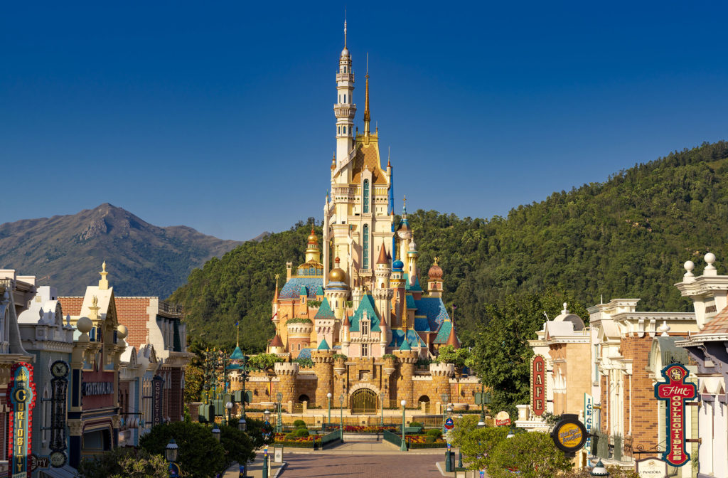 Celebrate Hong Kong Disneyland's 15th anniversary with 45% off hotel room bookings | Why Not Deals 1